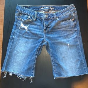 AE Bermuda Style Jeans Size 4